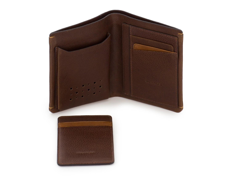 billetero de piel vertical marrón abierto