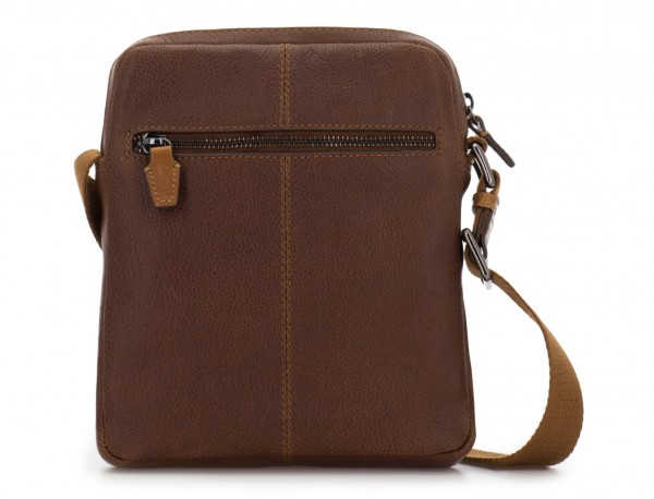 bolso bandolera de hombre en cuero marrón detrás