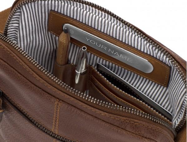 bolso bandolera de hombre en cuero marrón personalizado