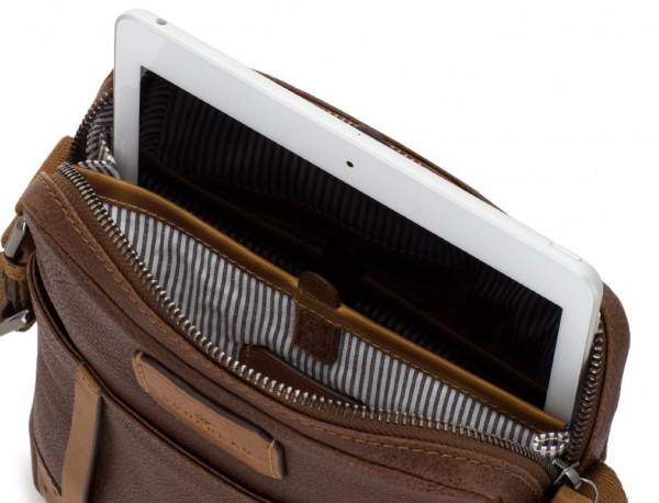 bolso bandolera de hombre en cuero marrón tablet