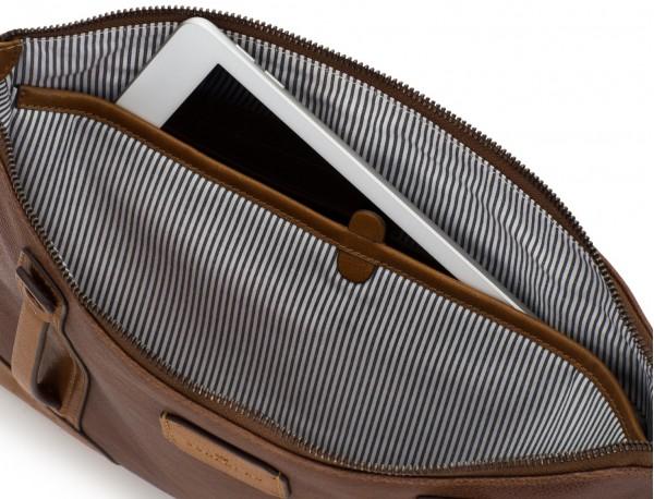 portadocumentos de piel vintage marrón ordenador