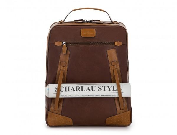 mochila vintage de piel para portátil marrón detalle