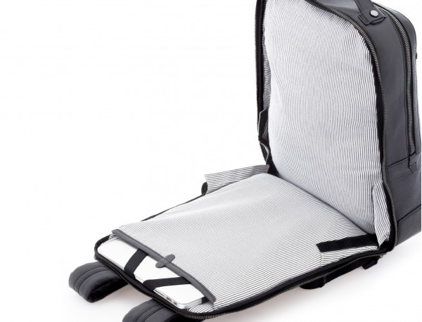 mochila vintage de piel para portátil negra abierta