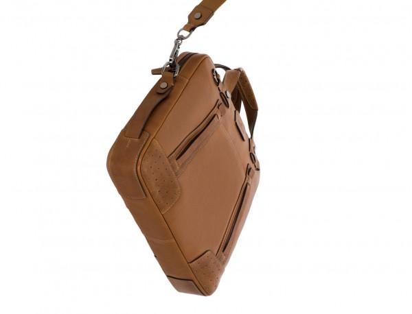 portadocumentos de cuero vintage marrón claro base