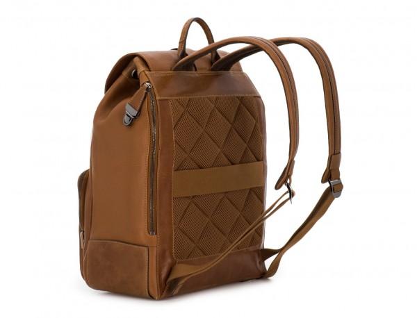 mochila de piel vintage marrón claro espalda