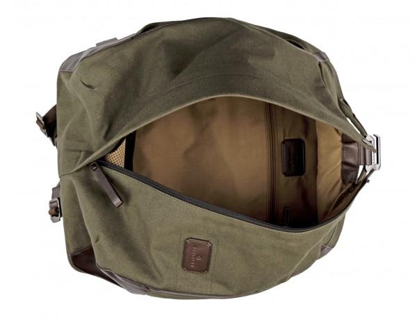 mochila saco de lona en color verde abierta