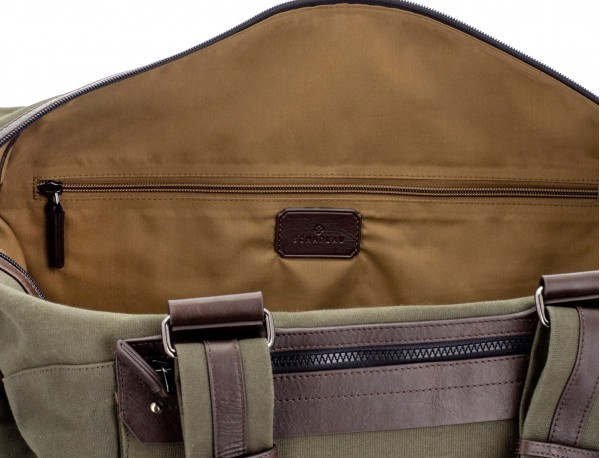 Duffle travel bag in canvas and leather in green inside