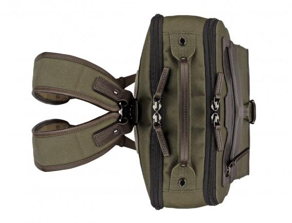 mochila de lona verde arriba