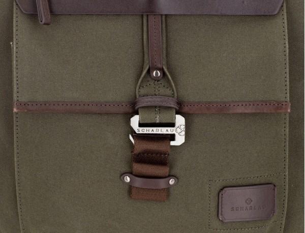 mochila de lona verde detalle cierre