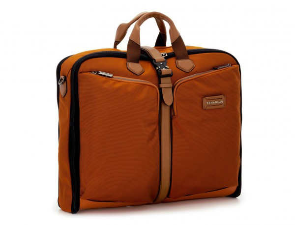 portatrajes para viajar de color naranja lateral