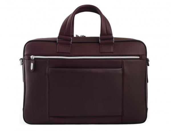 maletin ejecutivo de cuero en color burdeos detrás