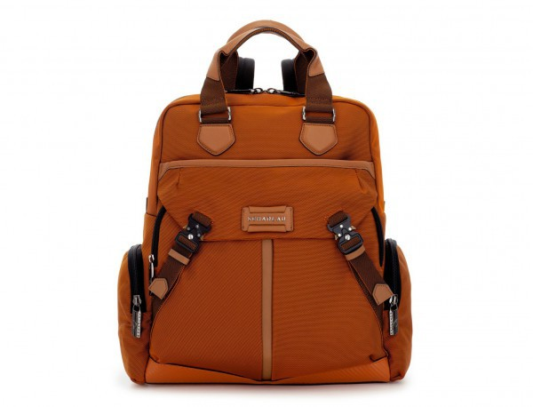 Bolso mochila de nylon en naranja frontal