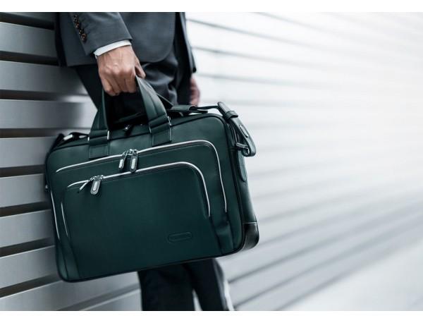 maletin ejecutivo de cuero en color verde lifestyle
