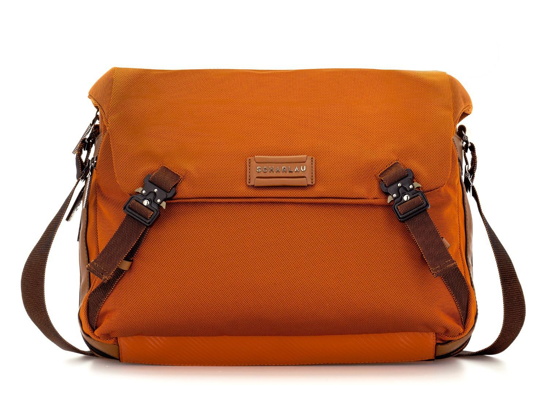 Bolso mensajero en color naranja frontal