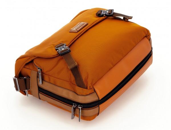 Bolso mensajero en color naranja base