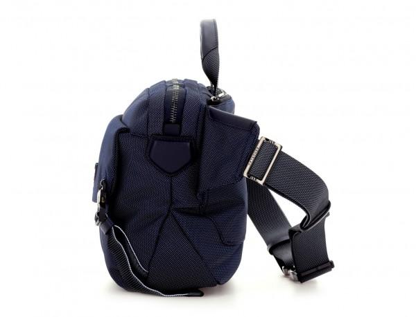 Large waist bag in blue side