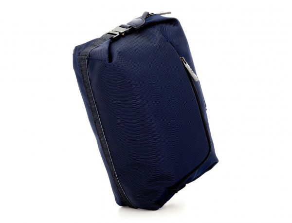 Toilet bag in blue side