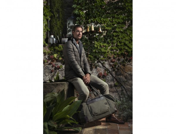 Duffle travel bag in canvas and leather in green lifestyle