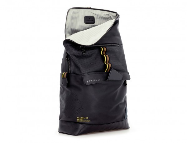 mochila de piel negra para portátil lado