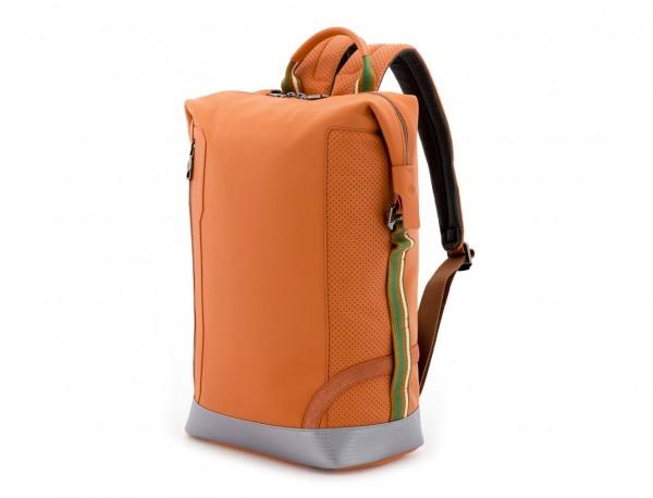 mochila de cuero naranja lado
