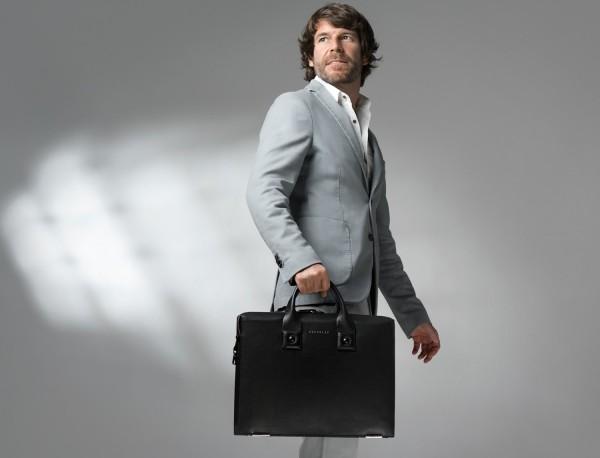 Leather briefbag lifestyle men