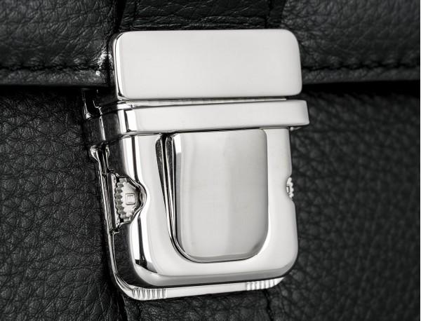 maletín con solapa de piel negro hebilla
