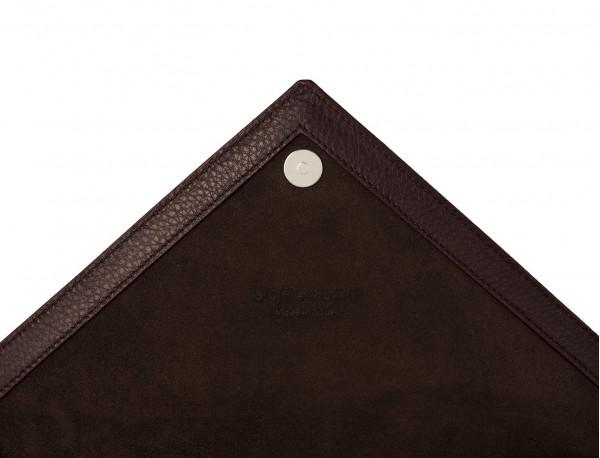 leather portfolio burgundy detail