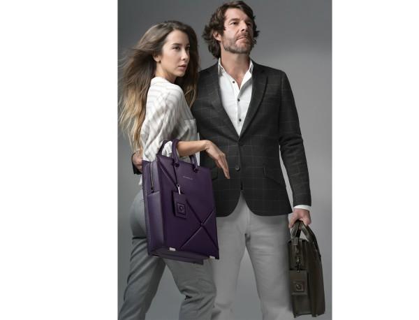 bolso de piel para portátil de mujer burdeos lifestyle