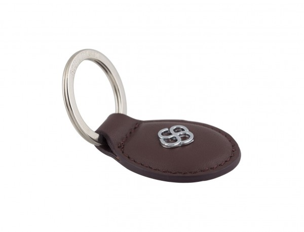 leather oval key ring in burgundy detail