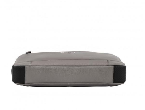 maletín de cuero pequeño en gris base