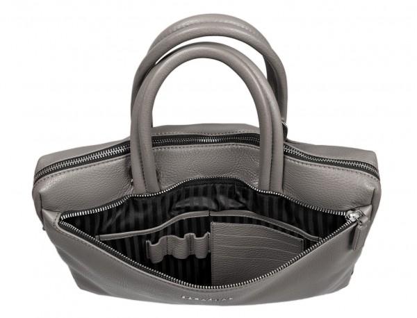 maletín de cuero pequeño en gris interior
