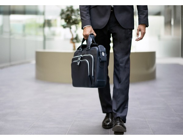 borsa da lavoro in pelle blu per uomo e donna lifestyle
