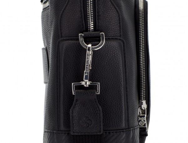 Leather briefbag in black detail