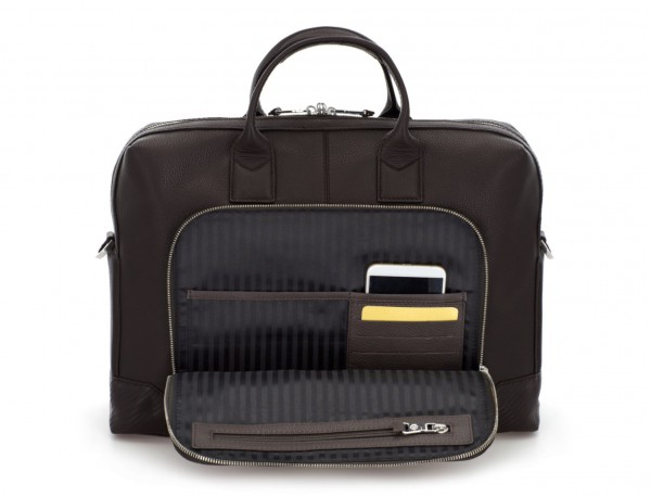 Leather briefbag in brown pockets