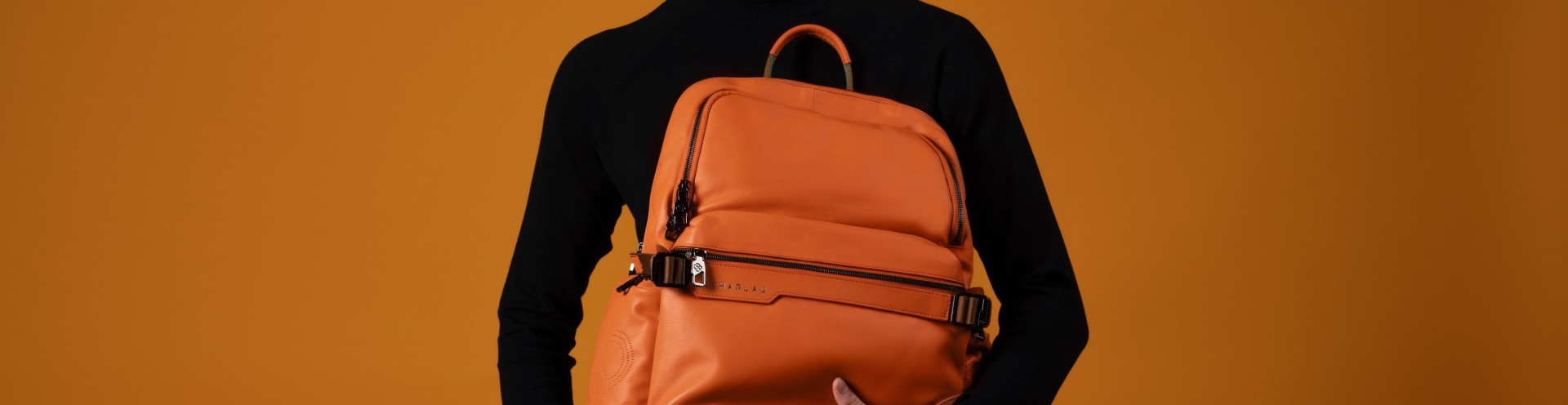 Customizable Leather Accessories for Business and Travel